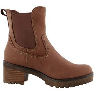 Cougar Dallas waterproof boots in brown Size 9